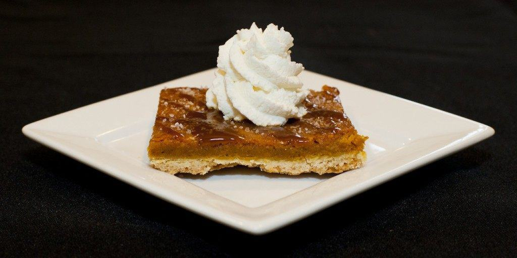 salted-caramel-pumpkin-pie-bar