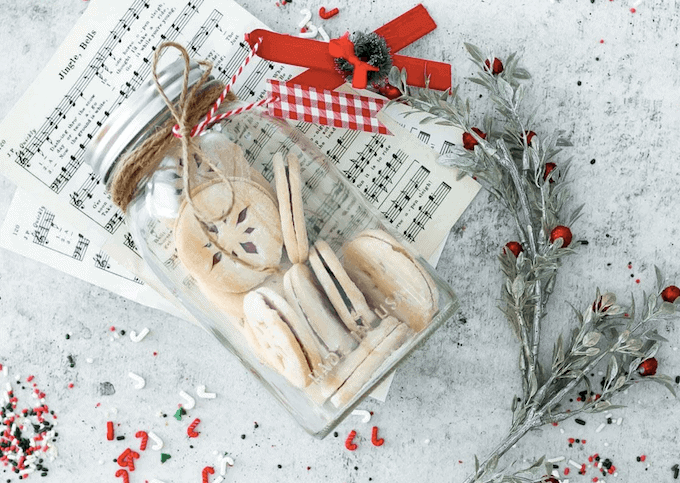 5 Cute and Festive Ways to Package Holiday Treats